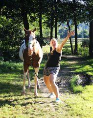 Láska ke koni je stejně složitá jako láska k člověku... pokud koně nikdy nebudeš milovat, nikdy to nepochopíš ;)